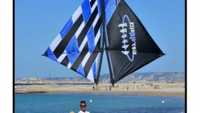 2012 Marseille - Kite Kiss (photo by Fete du vent Marseille)